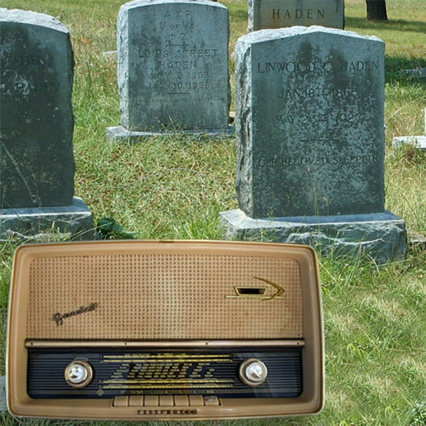 Is radio dying_old fashioned radio